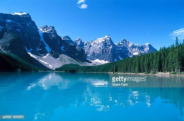 moraine lake and rockies - moraine lake stock pictures, royalty-free photos & images