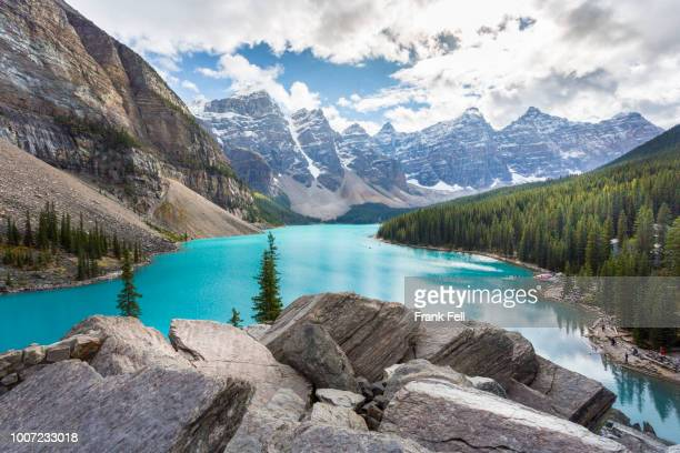 moraine lake and the valley of the ten peaks, banff national park, unesco world heritage site, canadian rockies, alberta, canada, north america - valley of the ten peaks stock pictures, royalty-free photos & images
