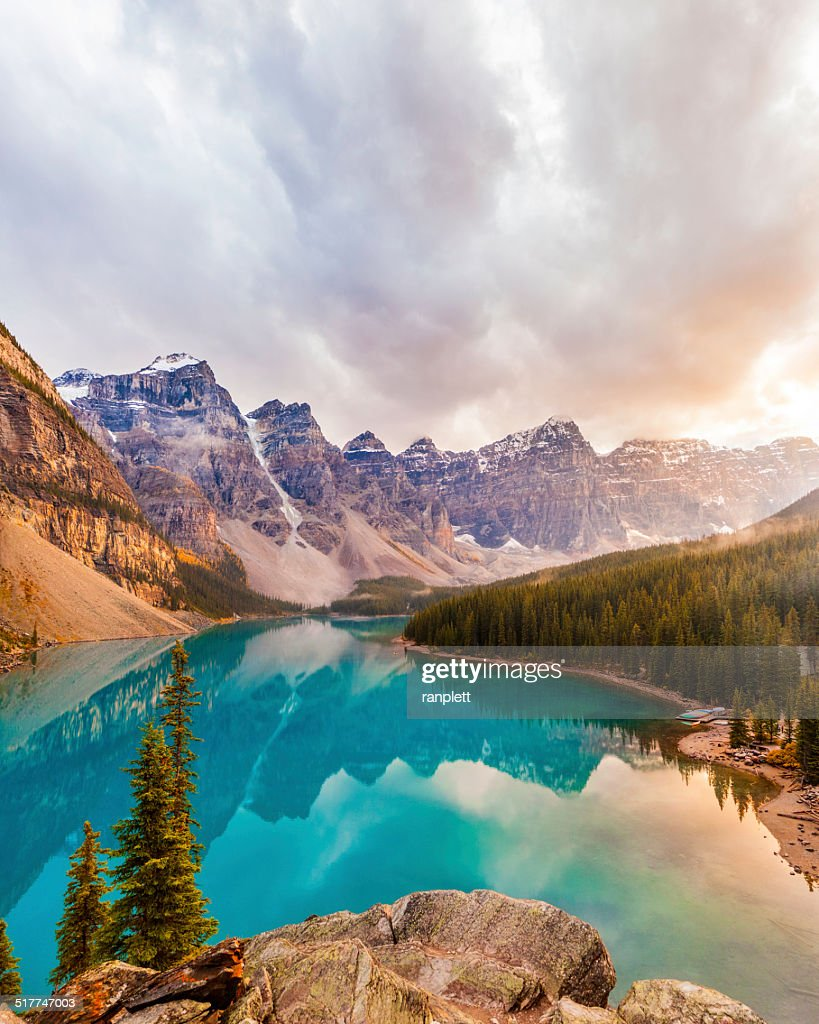 Moraine Lake, Banff National Park : Stock Photo