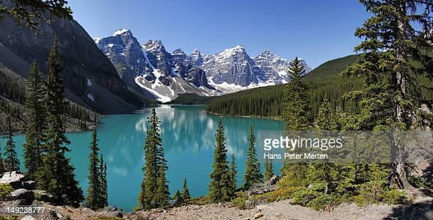 moraine lake, banff nationalpark, canada - kanada imagens e fotografias de stock