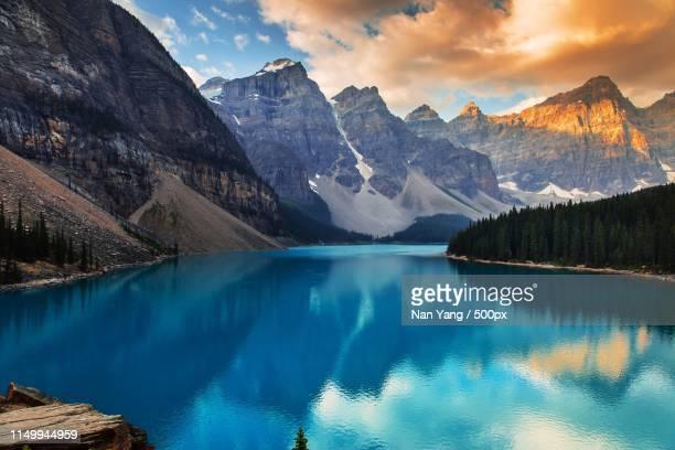 moraine lake banff - bangalore stock pictures, royalty-free photos & images