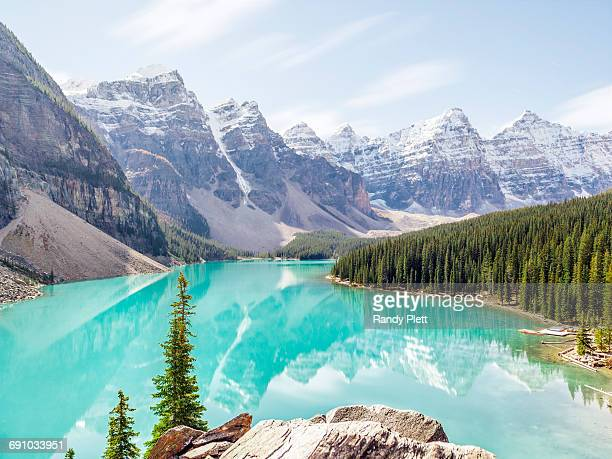 moraine lake, canada - moraine lake stock pictures, royalty-free photos & images