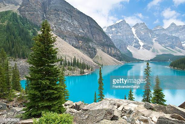 moraine lake - bow valley stock pictures, royalty-free photos & images