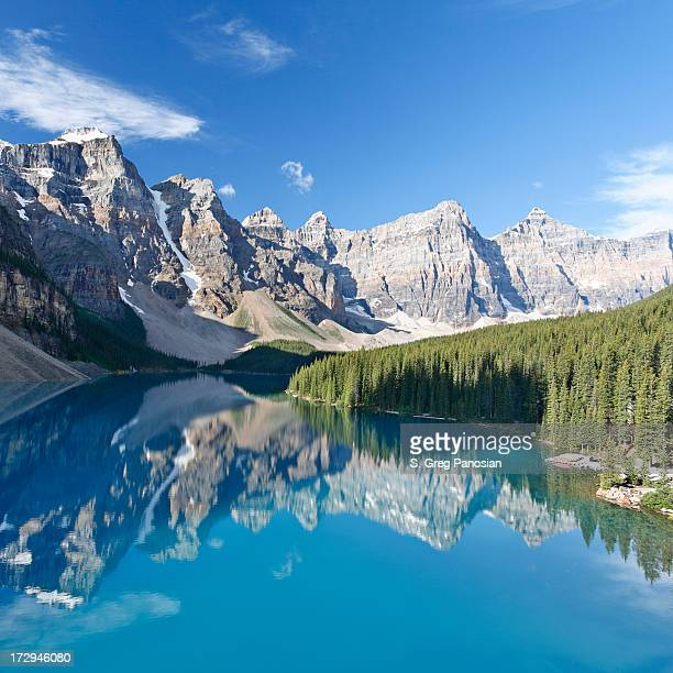 moraine lake - moraine lake stock pictures, royalty-free photos & images