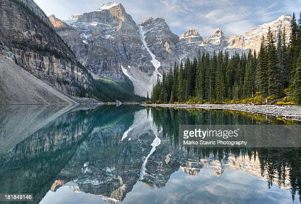 moraine lake - lake louise lake stock photos and pictures
