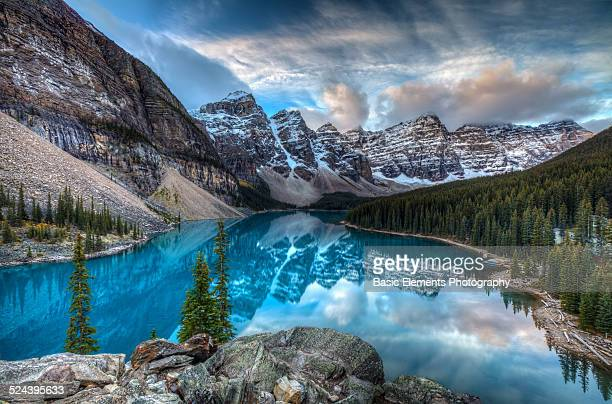 moraine lake - banff national park stock pictures, royalty-free photos & images