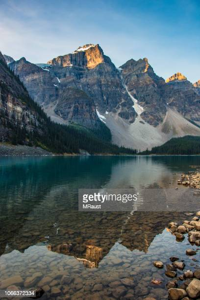 moraine lake sunrise - canadian rockies stock pictures, royalty-free photos & images