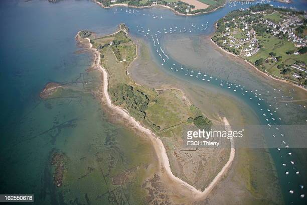 Boedic Island Pictures and Photos | Getty Images