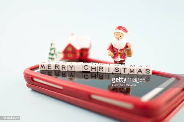 More and more people are using their mobile phones to send Christmas greetings