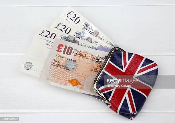 more money in the uk purse after brexit. - nota de dez pounds - fotografias e filmes do acervo