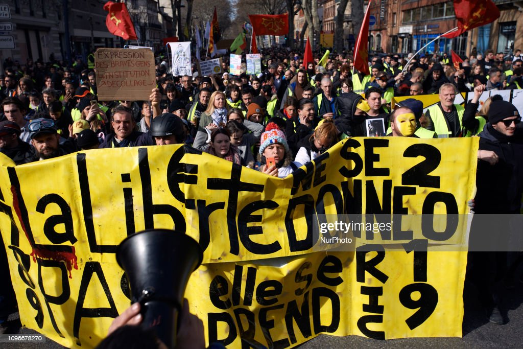 Thirteenth Day Of Yellow Vests Mobilization In Toulouse : News Photo