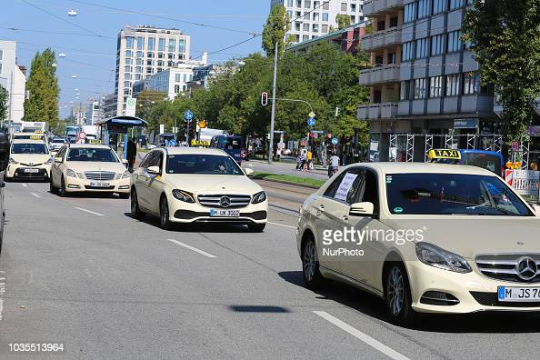more than 1000 taxi drivers protested in munich against. Black Bedroom Furniture Sets. Home Design Ideas