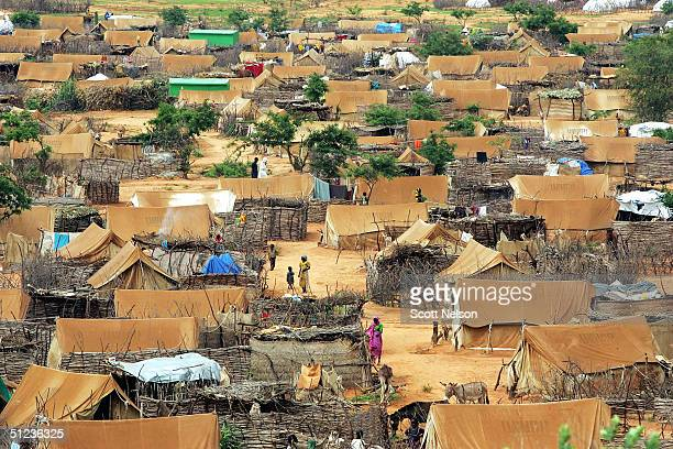 More than 12000 Sudanese refugees from the Darfur region of Sudan struggle to live amidst the Farshana refugee camp August 29 2004 in neighboring...