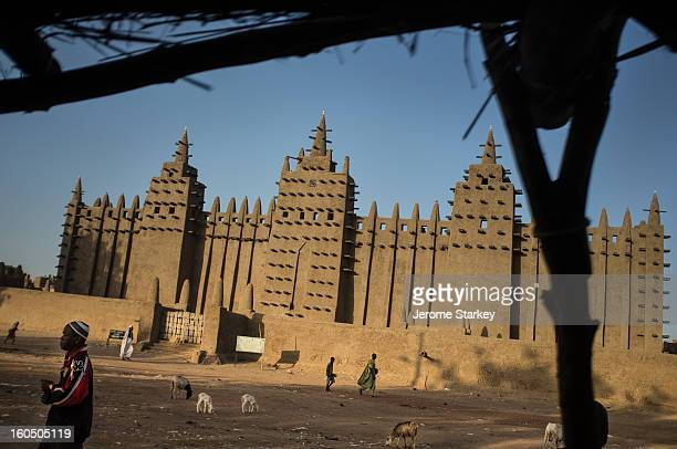 CONTENT] More than 15000 tourists visited the UNESCO World Heritage town of Djenne famous for its Grand Mosque pictured November 21 2012 until a...