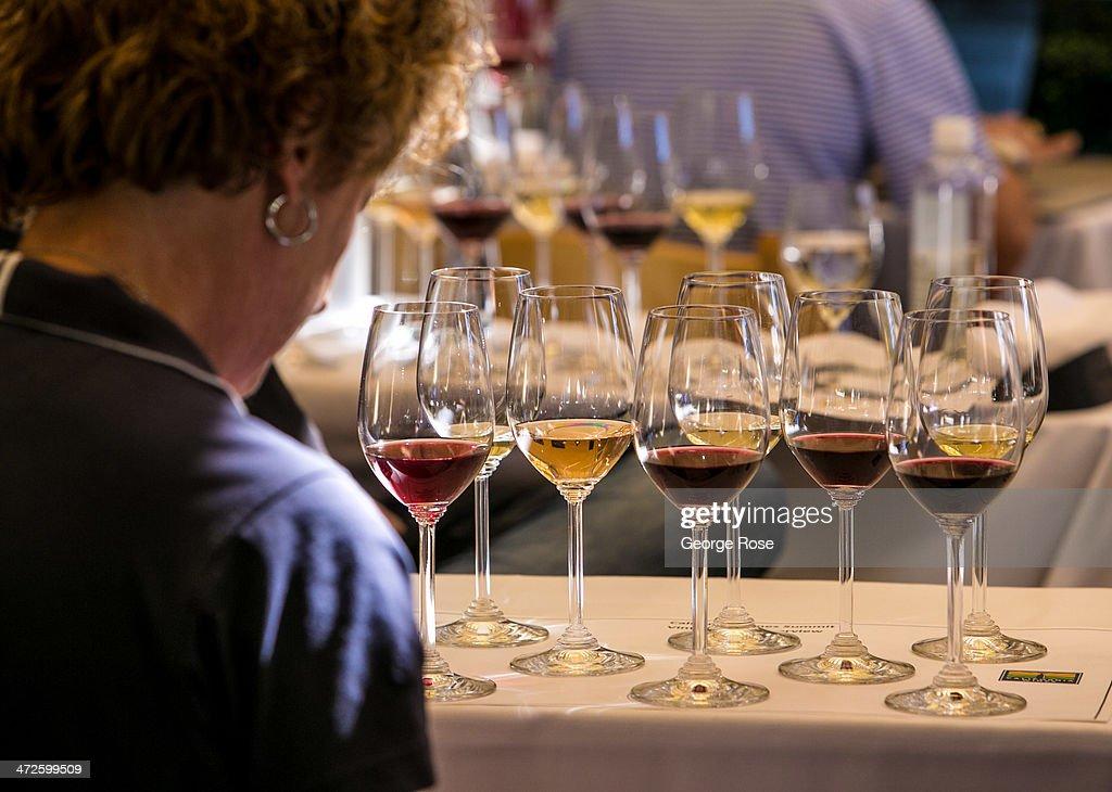 World's Top Wine Experts Tour California : News Photo