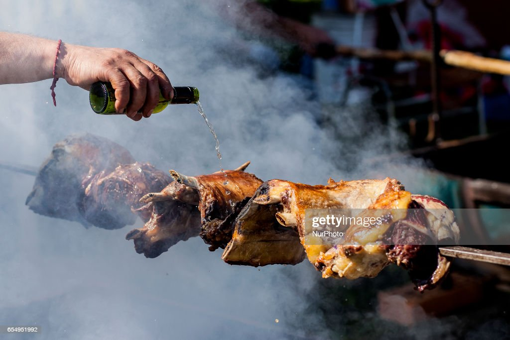 Traditional roast contest in Osorno : News Photo