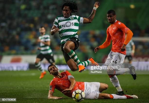 Moreirense's defender Andre Micael vies wirh Sporting's forward Gelson Martins during the Portuguese League football match between Sporting CP and...