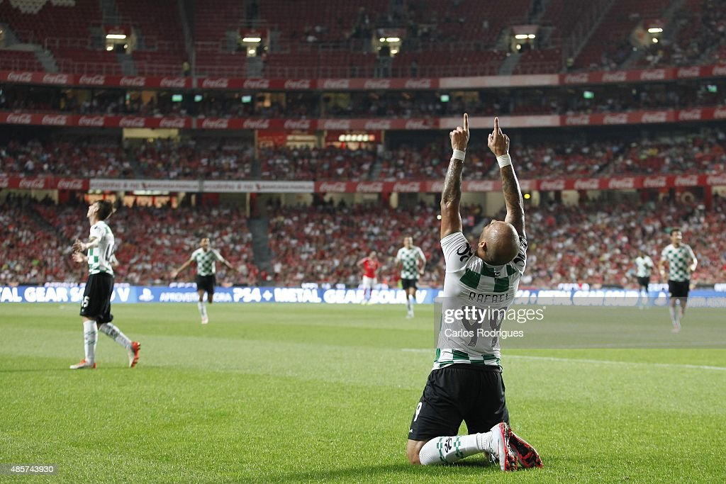 Moreirense's forward Rafael celebrates scoring Moreirense's first goal during the match between SL Benfica and Moreirense FC at Estadio da Luz on August 29, 2015 in Lisbon, Portugal.