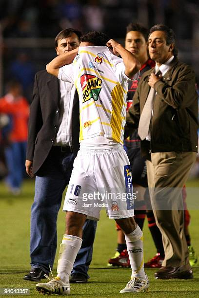 Morelia's Adrian Aldrete reacts after losing to Cruz Azul on their semifinals match as part of the 2009 Opening tournament in the Mexican Football...