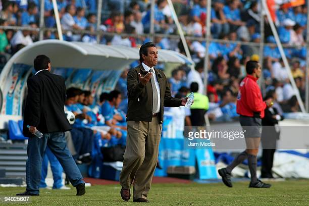 Morelias' Head Coach Tomas Boy reacts during their semifinals match as part of the 2009 Opening tournament in the Mexican Football League at the Azul...