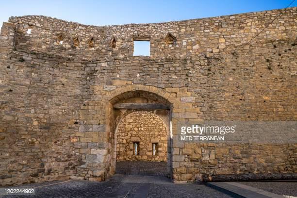 カステリョンスペインのモレラ・ポータル・デル・エストゥディ・プエルタ・デ・エストゥトゥタ要塞のドア - 要塞 ストックフォトと画像