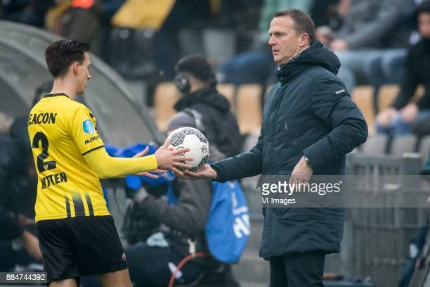 Moreno Rutten of VVV coach John van den Brom of AZ during the Dutch Eredivisie match between VVV Venlo and AZ Alkmaar at Seacon stadium De Koel on...