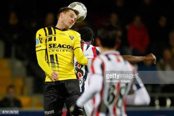 Moreno Rutten of VVV Venlo Bartholomew Ogbeche of Willem II during the Dutch Eredivisie match between VVVvVenlo Willem II at the Seacon Stadium De...