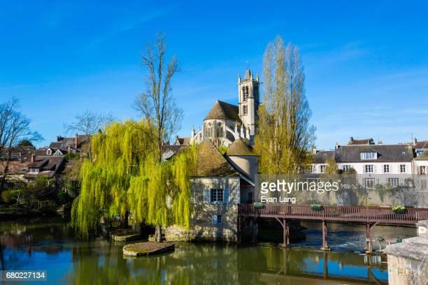 moret-sur-loing - ile de france stock pictures, royalty-free photos & images