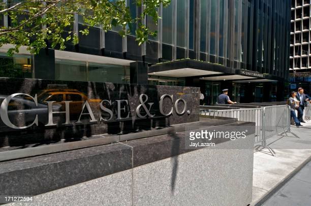 jp morgan chase & co. headquarters entrance, park ave, nyc - j p morgan stock pictures, royalty-free photos & images