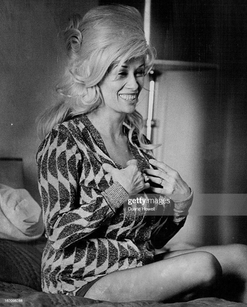 Chesty Morgan Nude Photos 77