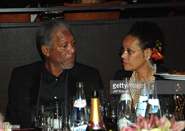 """Morgan Freeman, winner Best Actor in a Supporting Role for """"Million Dollar Baby"""" and Myrna Colley-Lee"""