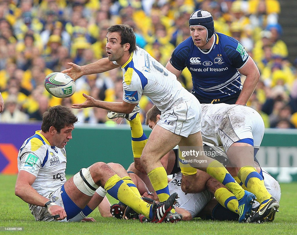 Morgan Parra of Clermont Auvergne passes the ball during the Heineken Cup semi final match between ASM Clermont Auvergne and Leinster at Stade Chaban-Delmas on April 29, 2012 in Bordeaux, France.