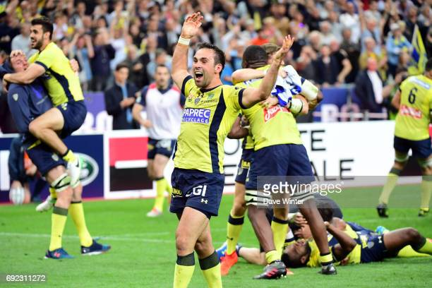 Morgan Parra of Clermont celebrates the victory during the the Top 14 final match between Rc Toulon and Clermont Auvergne at Stade de France on June...
