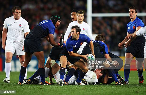 Morgan Parra of France passes during quarter final two of the 2011 IRB Rugby World Cup between England and France at Eden Park on October 8 2011 in...