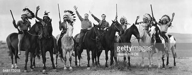 Morgan Paul Actor Austria *01101886 with Egon von Jordan and the Hollywood Black Foot Indians published 'BZ' Vintage property of ullstein bild