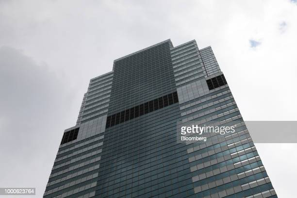 Pedestrians pass in front of Morgan Stanley headquarters in New York US on Thursday July 12 2018 Morgan Stanley is scheduled to release earnings...