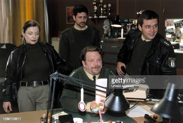 Morgengrauen / D 2001 / Udo Witte / Cora Winkler , Jan Eisnach , Georg Burrow , Sebastian Franke .