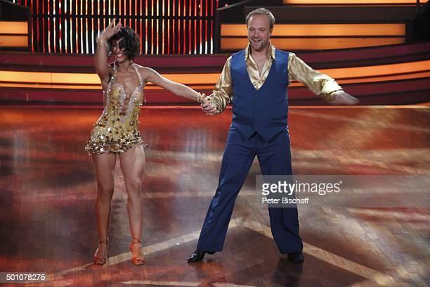 """Moritz A. Sachs mit Tanzpartnerin Melissa Ortiz-Gomez, Viertelfinale der 4.Staffel der RTL-Tanzshow """"Let's Dance"""", Köln, Nordrhein-Westfalen,..."""