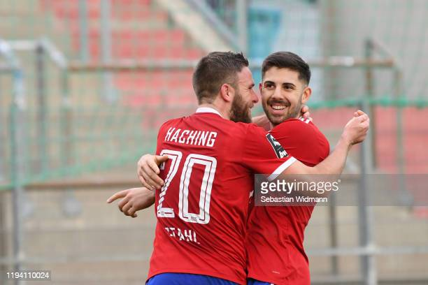 Moritz Heinrich of Unterhaching celebrates with teammate Dominik Stahlafter scoring his team's second goal during the 3. Liga match between SpVgg...