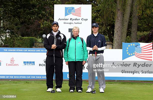 Moritz Lampert referee Shona Malcolm and Justin Thomas pose for a photograph at the start of the second day of play at the Junior Ryder Cup at...