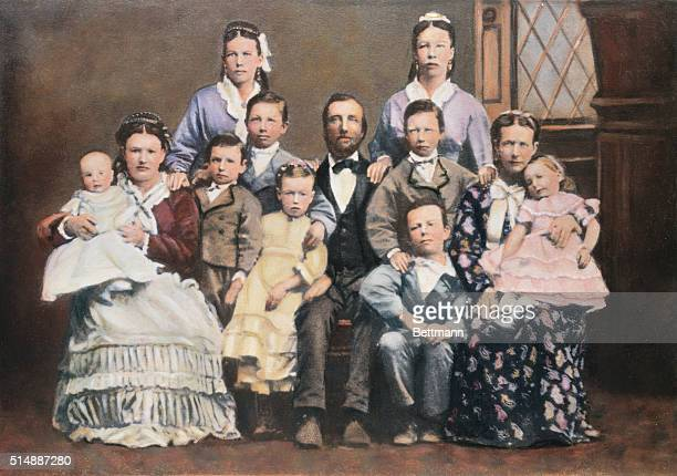 Polygamy Photos and Premium High Res Pictures - Getty Images