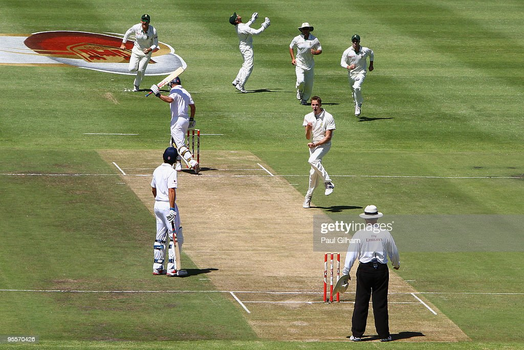 South Africa v England - 3rd Test Day Two