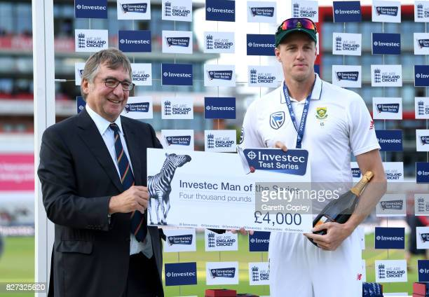 Morne Morkel of South Africa receives his man of series award from David Hodgkiss Chairman of Lancashire CCC after winning the Investec Test series...