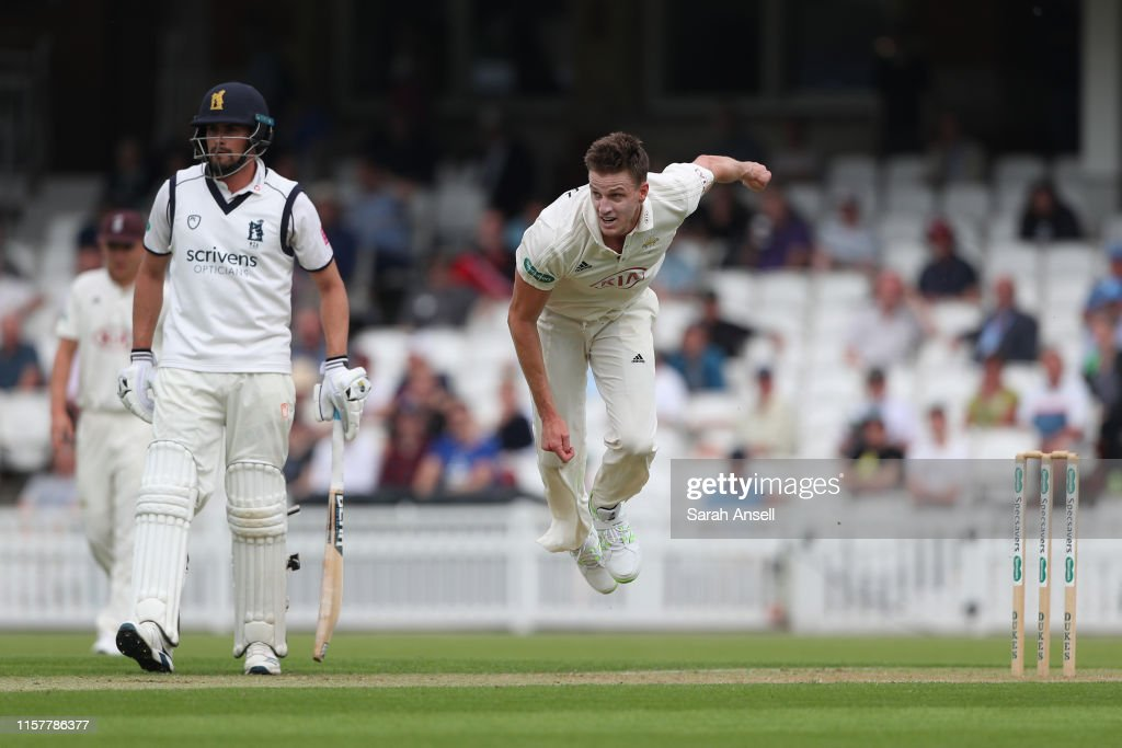 Surrey v Warwickshire - Specsavers County Championship - Day One : News Photo