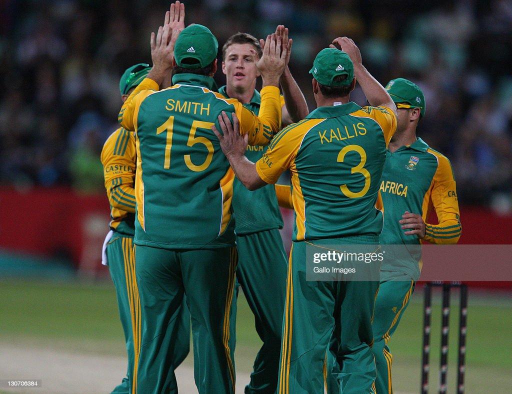 South Africa v Australia - 3rd One Day International : News Photo