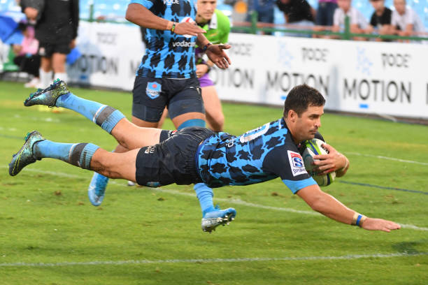 Morne Steyn of the Bulls scores during the Super Rugby match between Vodacom Bulls and Blues at Loftus Versfeld on February 22, 2020 in Pretoria, South Africa. (Photo by Lee Warren/Gallo Images/Getty Images)