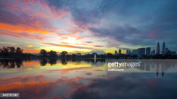 morning at titiwangsa - shaifulzamri stock pictures, royalty-free photos & images