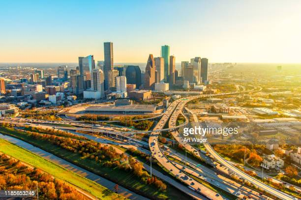 morning breaks over houston - houston skyline stock pictures, royalty-free photos & images