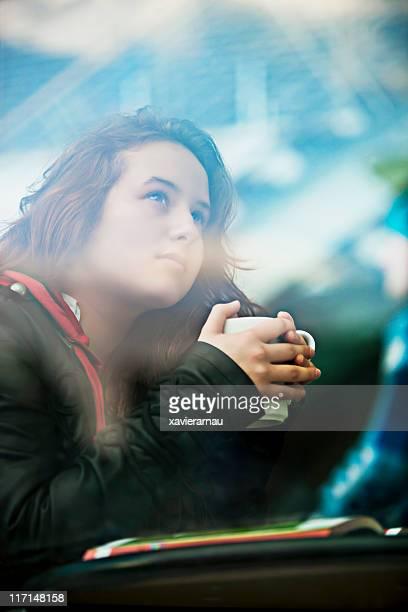 café por la mañana - enfoque diferencial fotografías e imágenes de stock