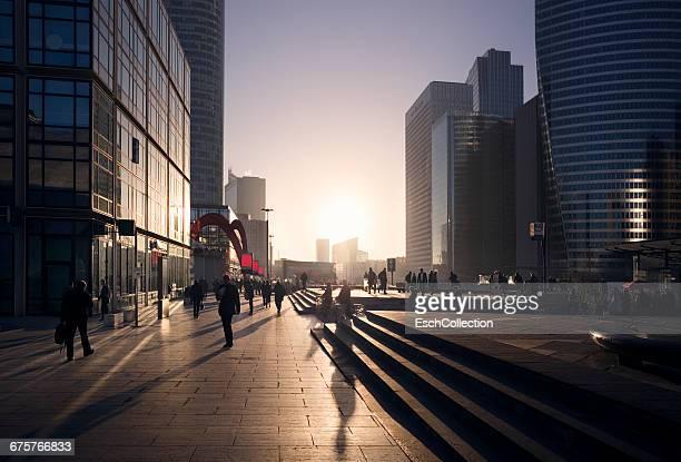 morning commute at business district of paris - city life photos et images de collection